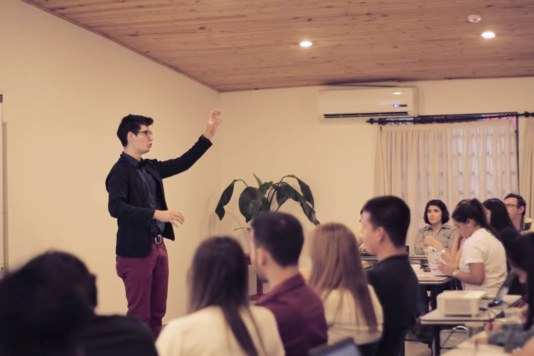 Conferencia UI/UX web para emprendores #CafeDigital ☕